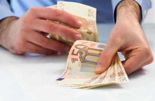 Bargeld Blitzkredit 100 Euro finden